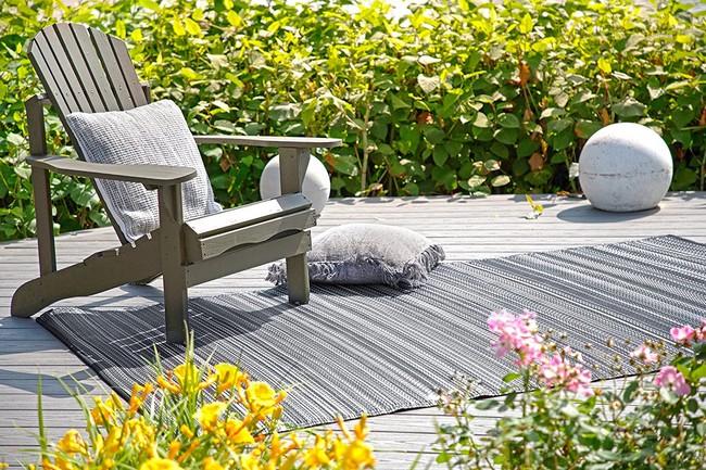 tapis-jardin-noir-blanc